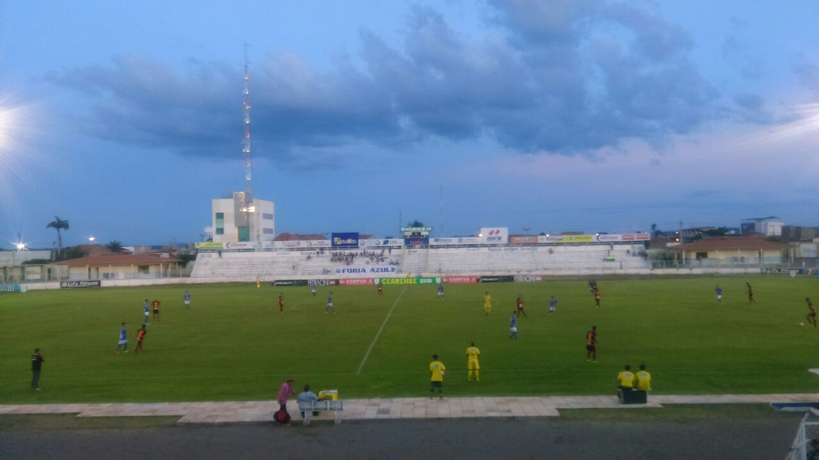 Iguatu e Guarani de Juazeiro, no estádio Morenão, em Iguatu. Foto: Ednardo Alves / Globo Esporte